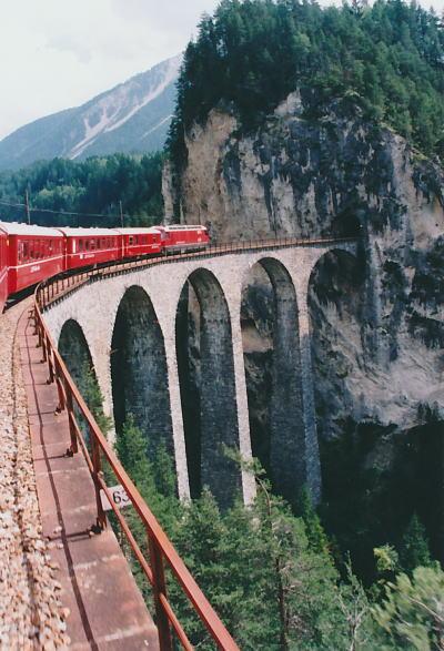 レーティッシュ鉄道アルブラ線・ベルニナ線と周辺の景観の画像 p1_20